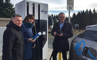 Schnelladesäule für E-Fahrzeuge in Schöneck